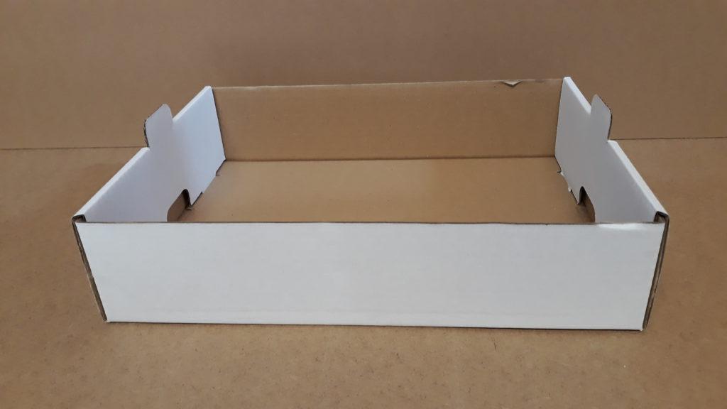 Tace tekturowe otwarte i zamknięte do transportu ciast i wypieków